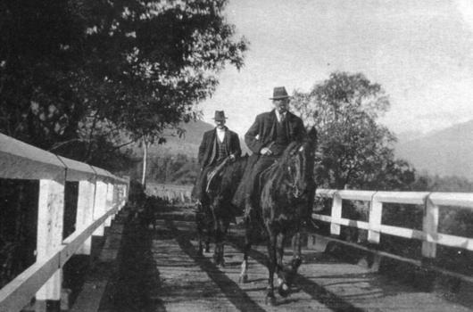 2-horsemen-on-ryders-bridge