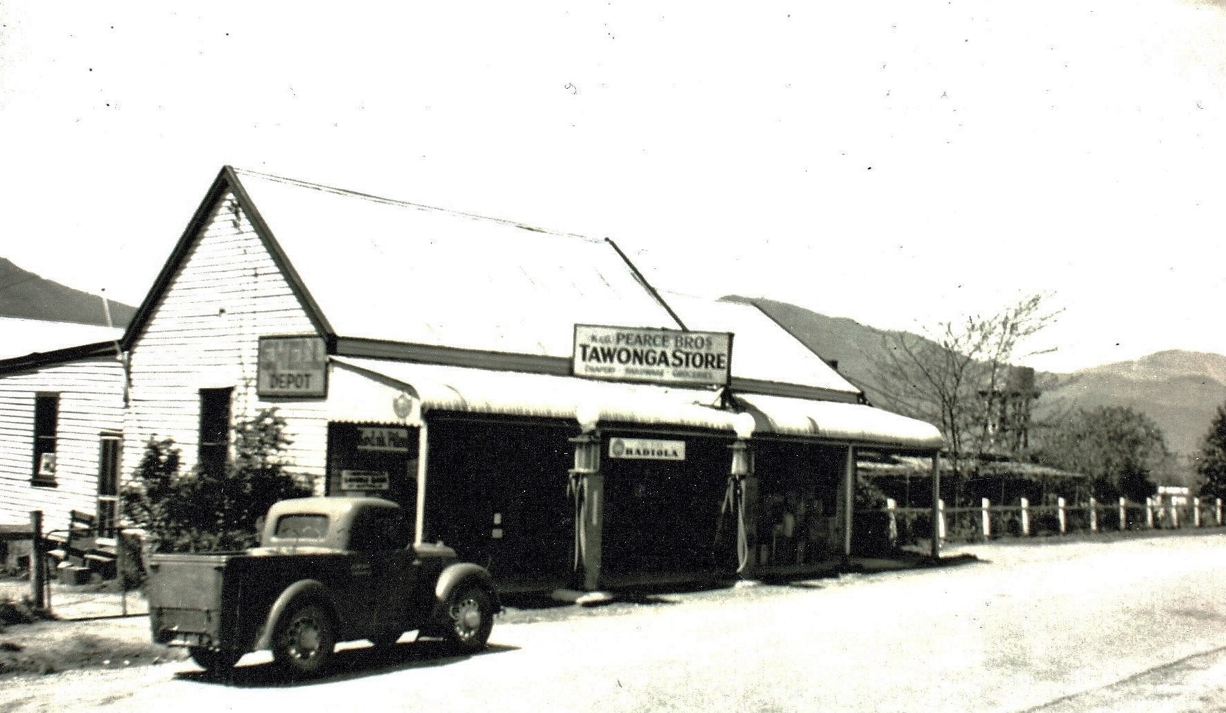 Pearce-Bros-Tawonga-Store