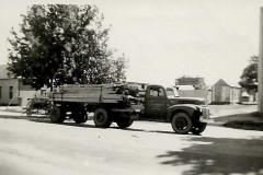 1st-load-of-timber-from-mill-at-tawonga-to-Mates-Albury-1-002