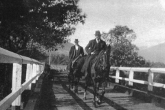 2-horsemen-on-ryders-bridge