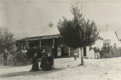 Crotty-family-outside-Bogong-Hotel